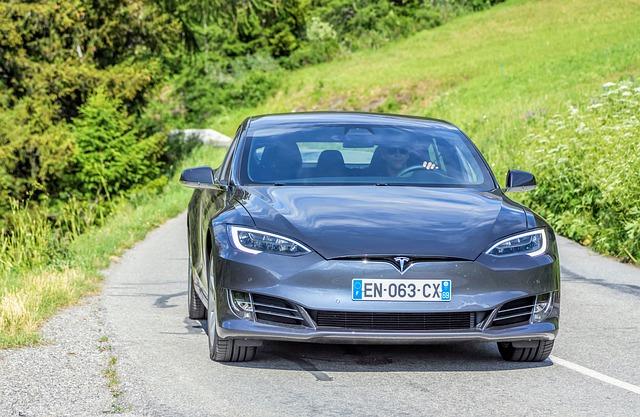 Le secteur automobile fait face à plusieurs révolutions